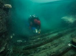 Egypt finds ancient military vessel, Greek graves in sunken city