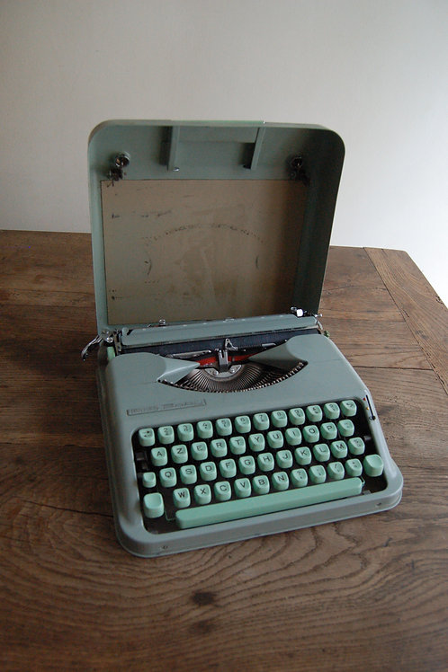 VENDU/Machine à écrire Baby Hermés années 50 vintage