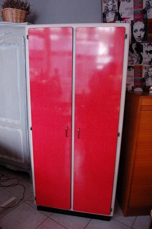 VENDU/Armoire formica rouge 2 portes années 50
