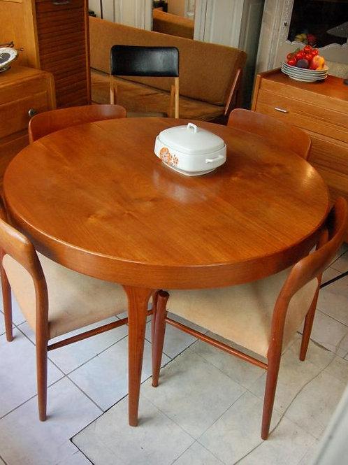 VENDU/Table & 4 chaises scandinave Niels.O.Moller