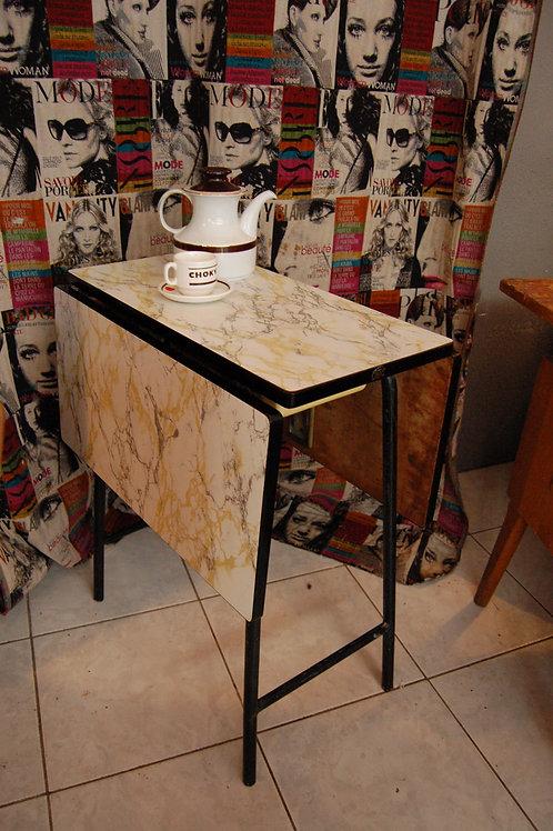 VENDU/table pliante formica années 50 marbré ROC