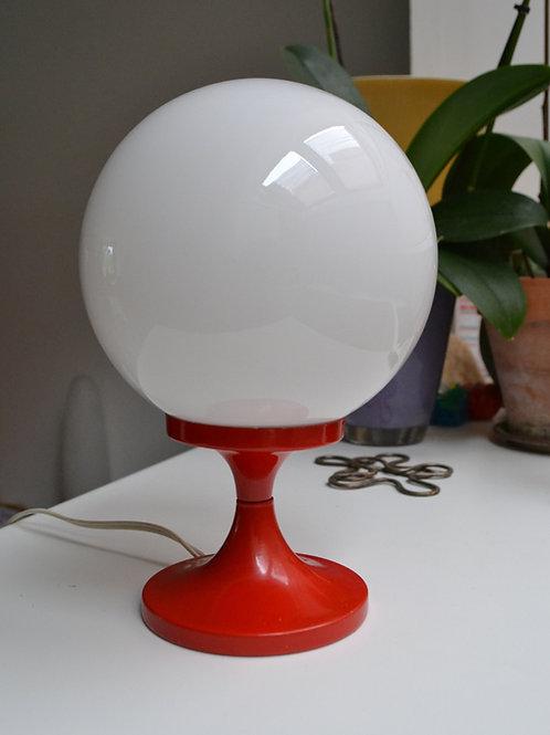 Lampe vintage opaline & métal rouge Delmas
