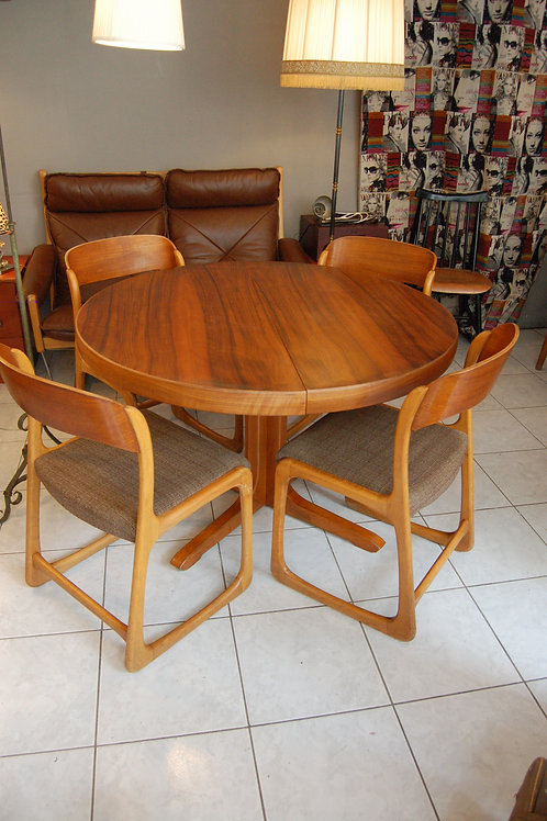VENDU/Table vintage 60s style scandinave teck pied central