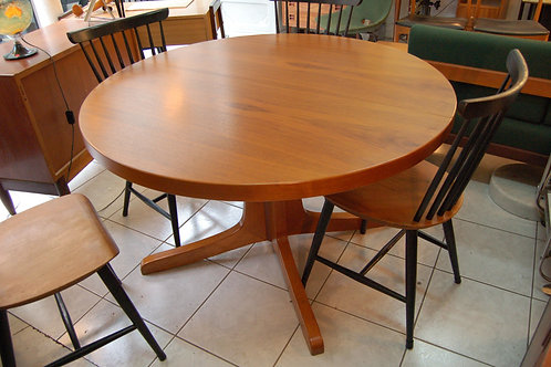 VENDU/Table style scandinave teck années 70 pied central
