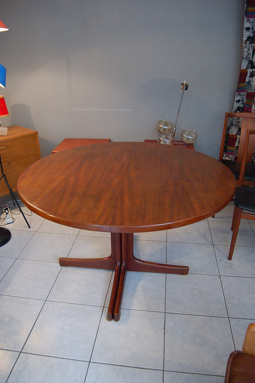 VENDU/Table scandinave Niels.O Moller teck massif années 50 60 2 allonges