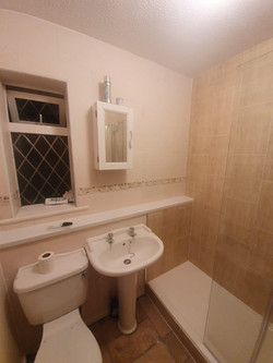 Bathroom Makeover © Shower People Ltd.