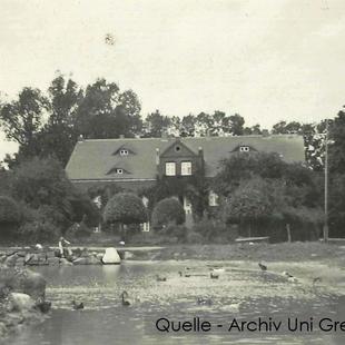 08-W-UNI-ARCH-12-Gutshaus-mit-Enten