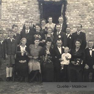 19-N-MASK-13 Hochzeit der Eltern
