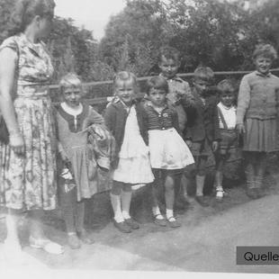 02-W-RU-04-Tante-Marianne und Kinder