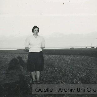 08-W-UNI-ARCH-02-Mamsel-K-6077
