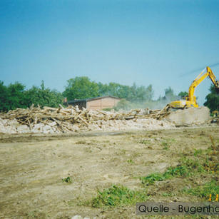 04-W-BU-01-Rinderstall-wird-abgerissen.