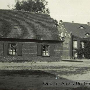 08-W-UNI-ARCH-11-Gutshaus u Inspektorhaus
