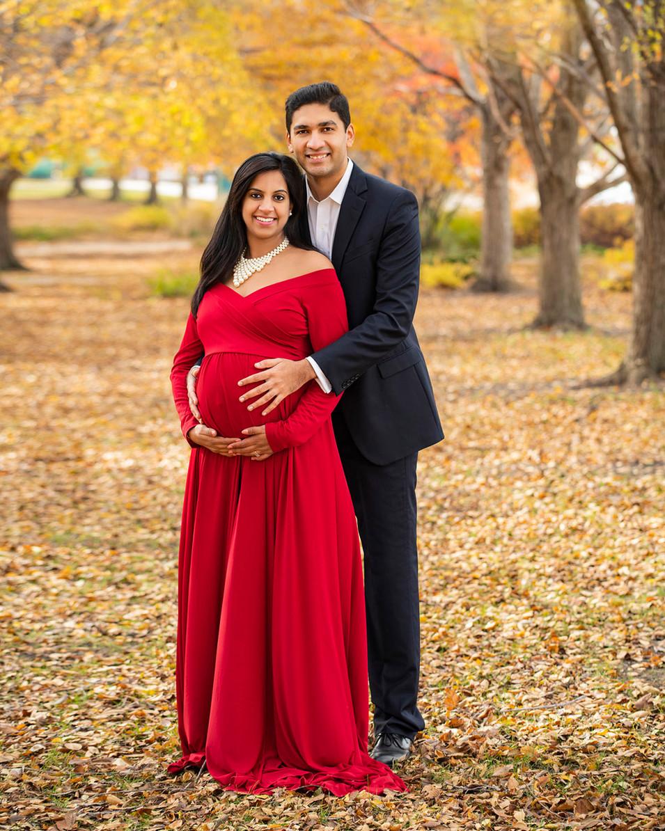 Professional outdoor maternity portrait