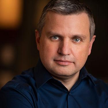 Professional Corporate Headshot of businessman