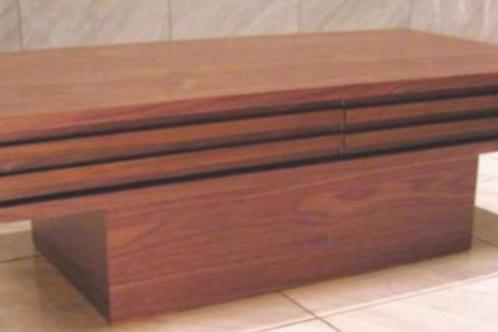 Rismo Table