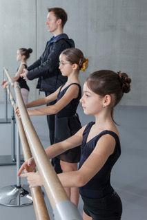 Förderprogramm Tanz+ Zwicky Ballett.jpeg