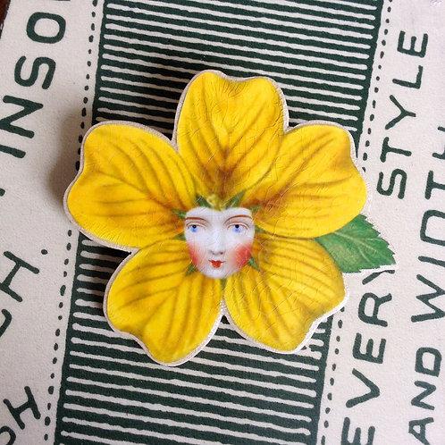 Buttercup brooch
