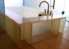 Custom Glass Bathtub