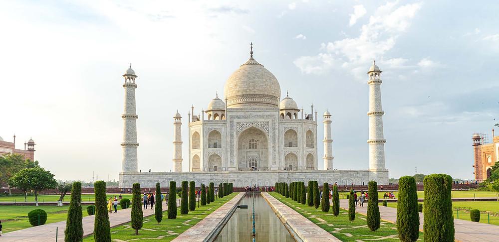 The Taj Majal Girls Solo Trip