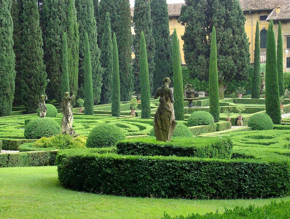 Hotel close to Giardino Giusti Verona