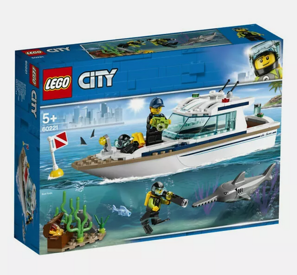 LEGO City Diving Yacht Set (60221) 148 pieces Boat Actually Floats!