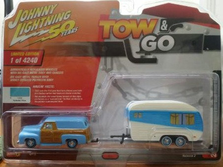 Johnny Lightning Tow And Go 1955 Ford Panel Delivery W/ Trailer