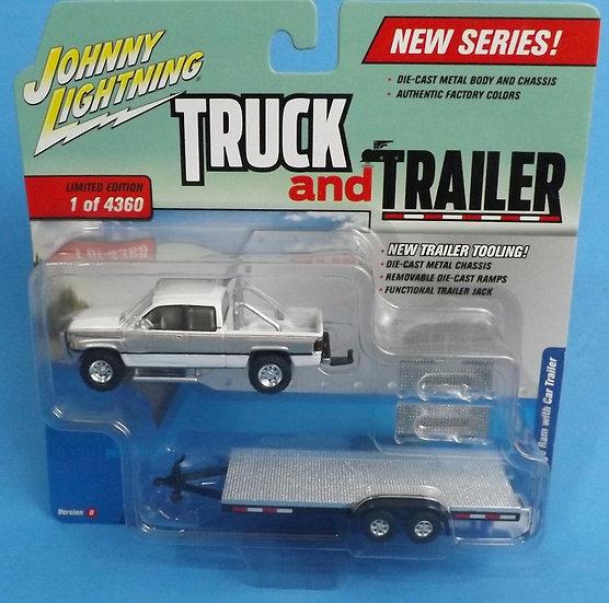 JOHNNY LIGHTNING TRUCK AND TRAILER 1996 DODGE RAM & CAR TRAILER WHITE & SILVER