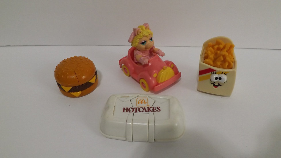 McDONALDS Vintage Changeables, Miss Piggy & Car Happy Meal TOY Lot