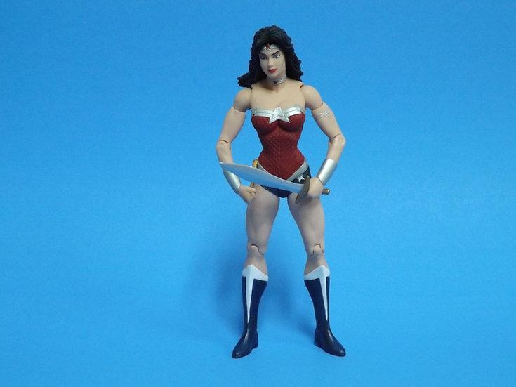 DC Essentials WONDER WOMAN