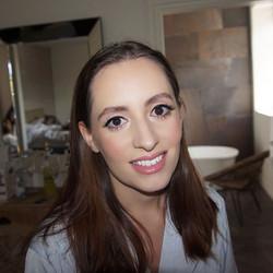 Natural bridesmaid makeup 💓_• _bobbibro