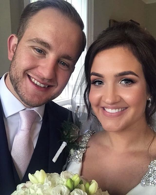 Mr & Mrs Selfie 💓 #bridal #bridalmua #b