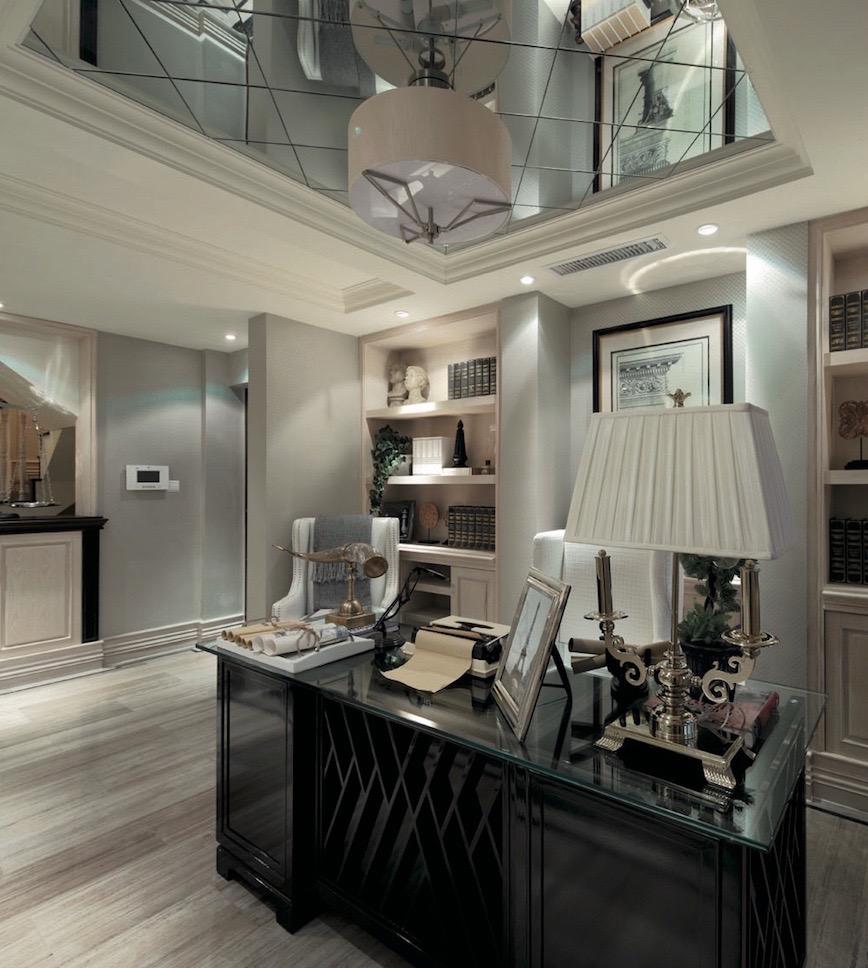 зеркало на потолок кабинет