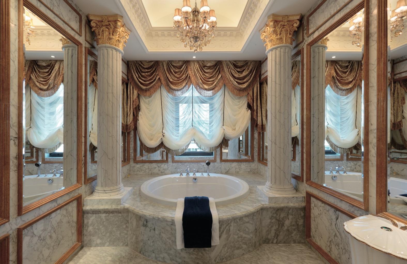 зеркало классический интерьер