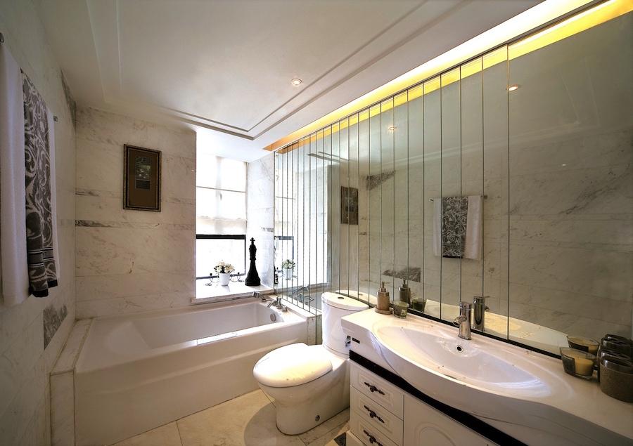 полосы из зеркал для ванной