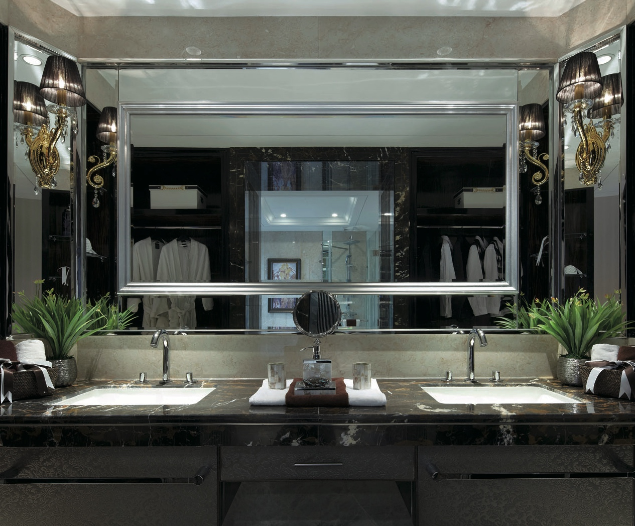 зеркало трюмо для ванной