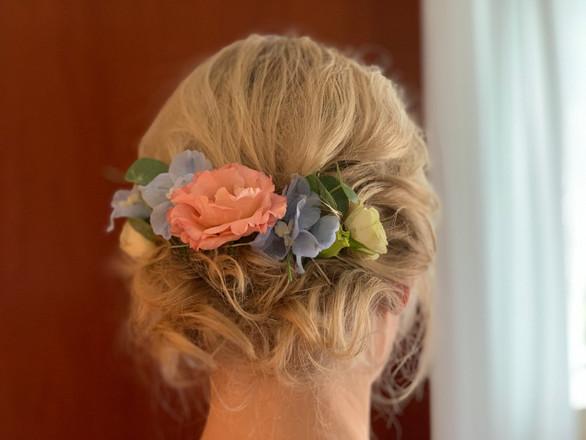 Blüten lose für die Hochzeitsfrisur