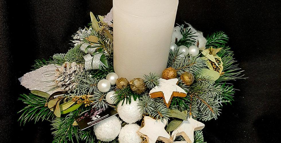 Dekoratives Kerzengesteck