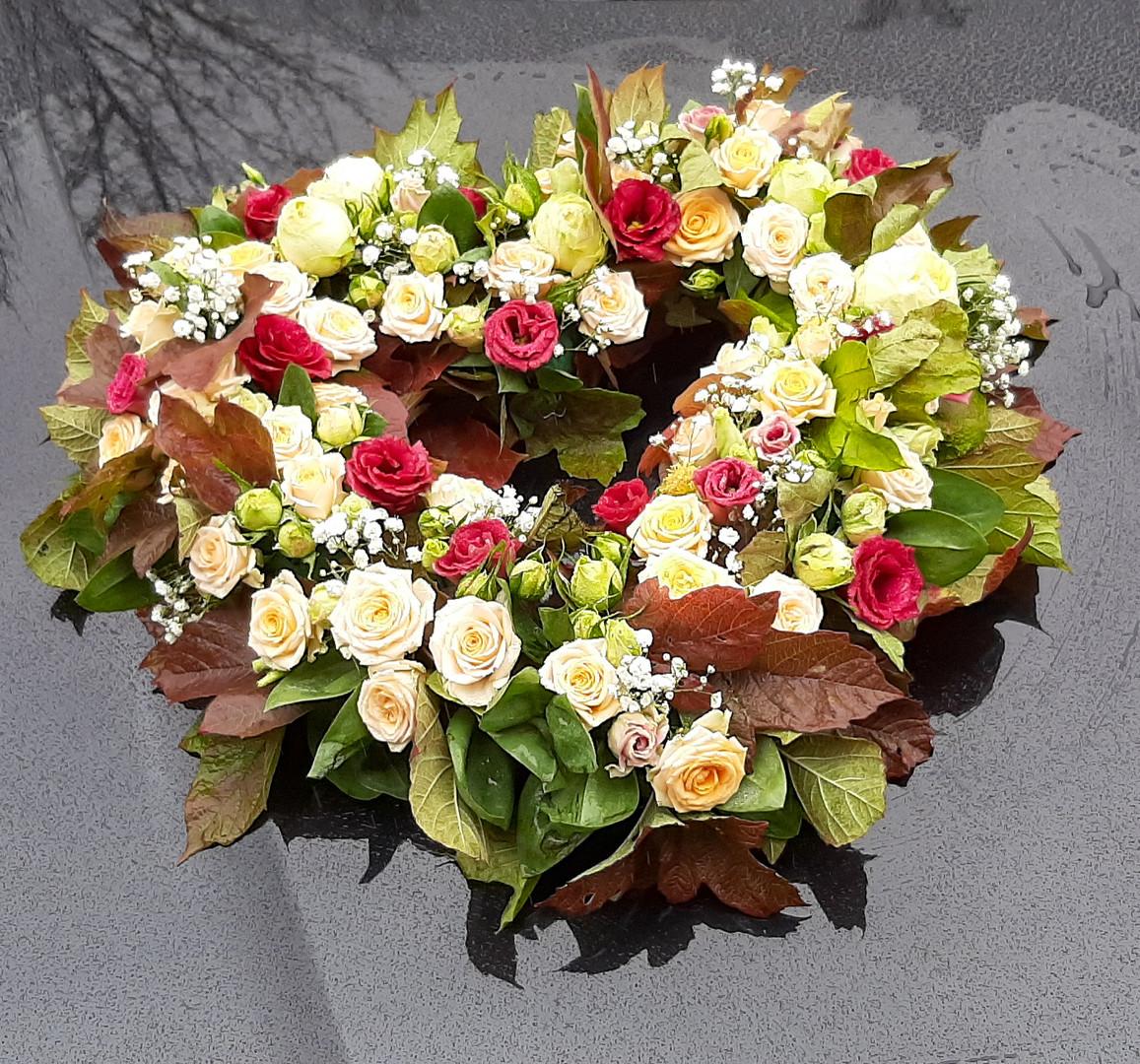 Blütenherz offen für das Brautauto