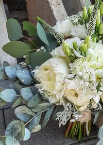 Brautstrauß in weiss mit Pfingstrosen, Ecua, Veronika, Lysianthus Rosen