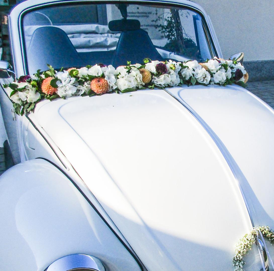 Blumengirlande für VW Käfer