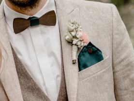 Florale Begleiter für den Bräutigam