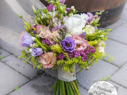 Standesamtliche Hochzeit in Rose-Lavendel
