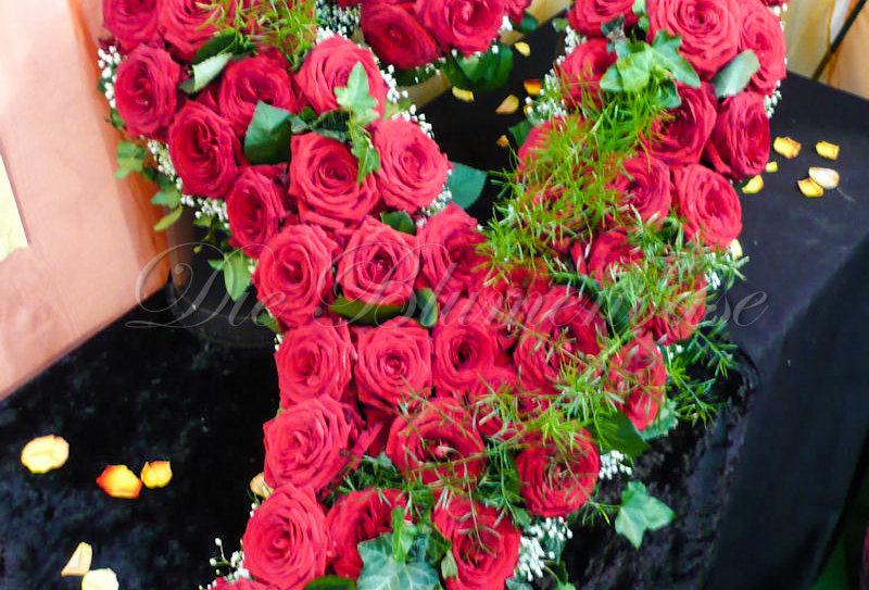 Blüten Herz offen geschwungen