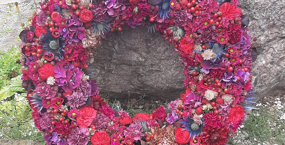 Trauerkranz Rundgesteckt Blüte an Blüte