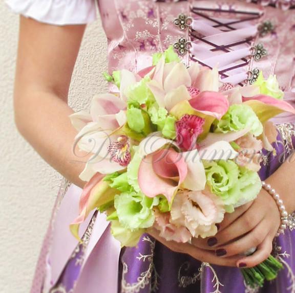 Brautstrauß mit Calla, Orchideen und Lysianthus