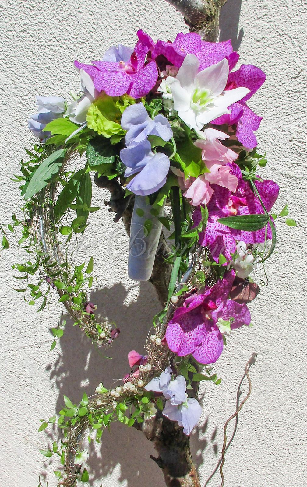 Sichel Brautstrauss Mit Orchideen
