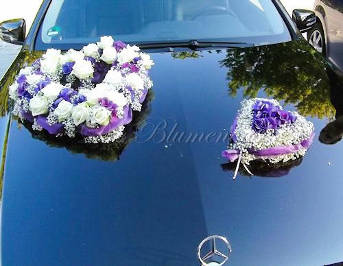 Blumenherz in lila für Brautauto