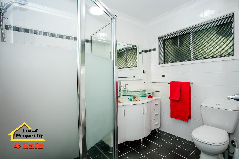 Rochedale- Thallon bathroom
