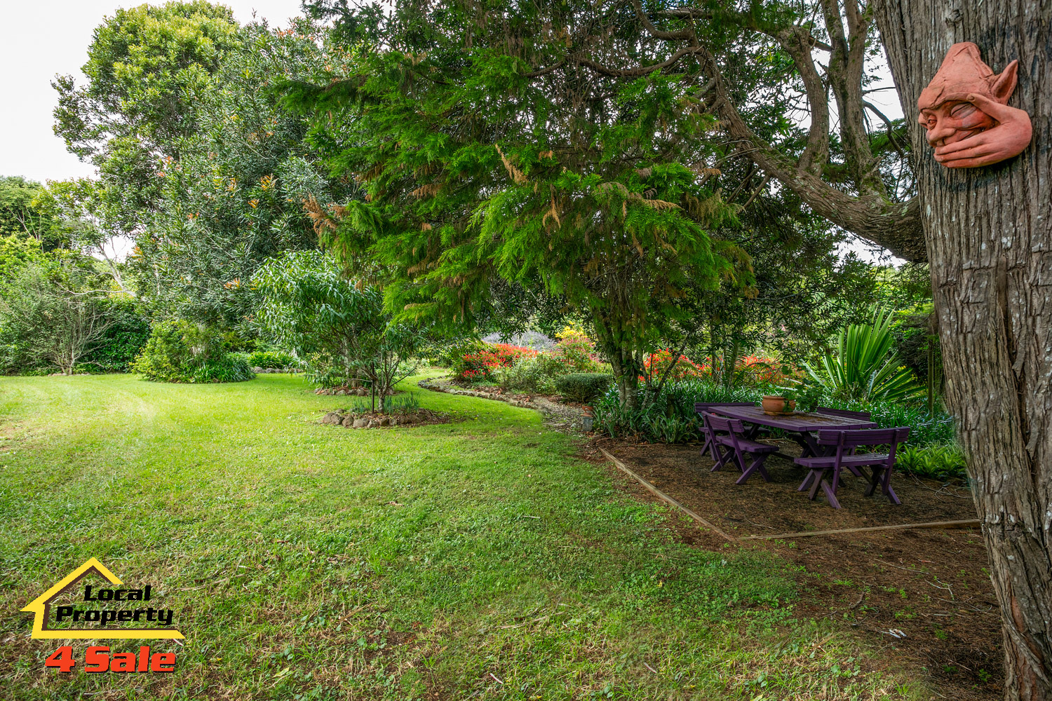 182 Long Rd Tamborine Mountain - Fornt Gardens Entertain
