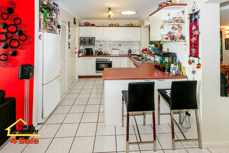 Rochedale- Thallon kitchen